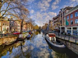 Amsterdam Canal. (Image Source- Digita Fespa), www.crowdink.com