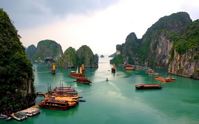 Halong Bay (Image Source: Crossing Travel), crowdink, crowd ink, crowdink.com