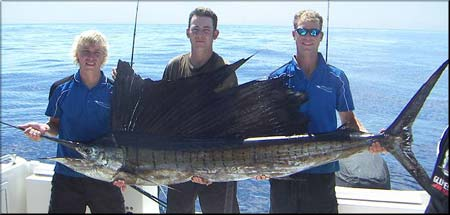 Noosa Blue Fishing Charters, www.crowdink.com