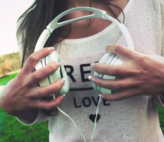 Post Breakup Playlist, www.crowdink.com