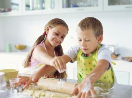Children cooking their own meals, crowdink.com, crowdink.com.au, crowdink