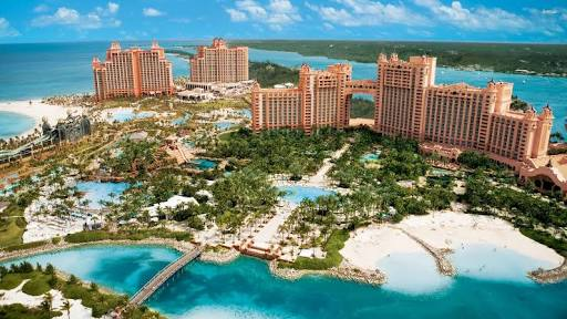family beach vacation on atlantis paradise island crowdink