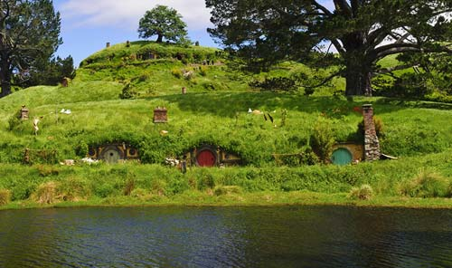 Hobbiton [image source: travelscene.com], crowdink, crowd ink, crowdink.com, crowdink.com.au