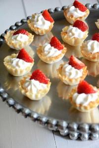 Strawberry Cream Tarts [image source: withsaltandwit.com], crowd ink, crowdink, crowdink.com, crowdink.com.au