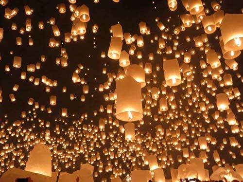 Loi Krathong Lantern Festival - Thailand, crowd ink, crowdink, crowdink.com, crowdink.com.au