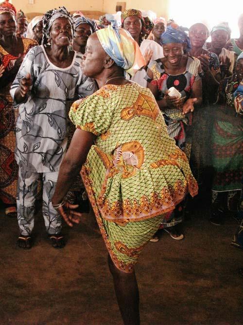 Shea Butter Ghana Ojoba Woman's [image source: Gabbi Loedolff] , crowd ink, crowdink, crowdink.com, crowdink.com.au