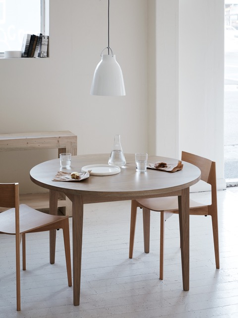 Classic Round Dining Table, crowd ink, crowdink, crowdink.com, crowdink.com.au