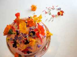 Edible Flowers (Image Source: bakingwithgap), crowdink.com, crowdink.com.au, crowd ink, crowdink
