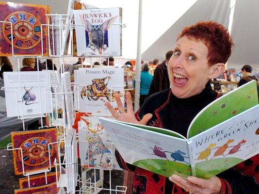 Mem Fox crowdink.com.au, crowdink, crowd ink