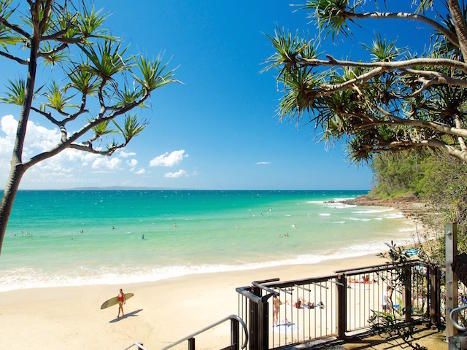 Noosa Main Beach, Queensland crowdink.com, crowdink.com.au, crowd ink, crowdink