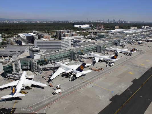 Airport crowdink.com.au, crowdink, crowd ink