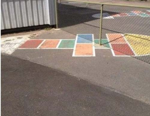 crowdink.com, crowdink.com.au, crowd ink, crowdink, funny, humour, wtf, Hopscotch Trouble (Image Source: sarcasmsociety)