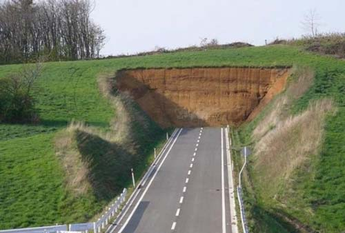 crowdink.com, crowdink.com.au, crowd ink, crowdink, funny, humour, wtf, Road Block (Image Source: sarcasmsociety)
