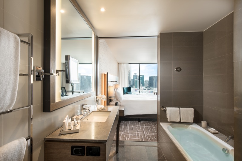 Pan Pacific Melbourne Bathroom City View