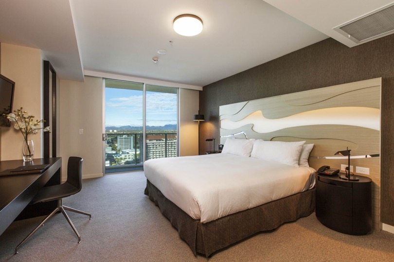 King Guest Room, Hilton Surfers Paradise