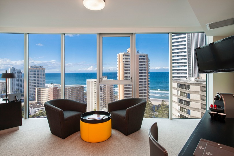 King Relaxation Suite Living, Hilton Surfers Paradise