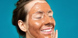 Are You Damaging Your Skin? Charcoal vs. Clay Masks.