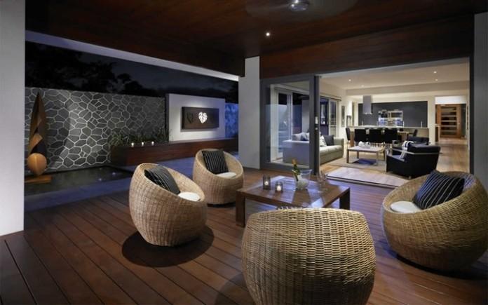 Alfresco Design (Image Source: Super Draft), www.crowdink.com