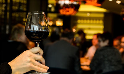 wine, drinks, celebration, mixing wine, what goes with wine, wine stories, crowdink.com, crowdink.com.au, crowdink, crowd ink, netflix, netflix binge
