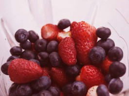 Antioxidants and Anti aging Foods, blueberries, strawberries, crowdink.com, crowdink, crowd ink