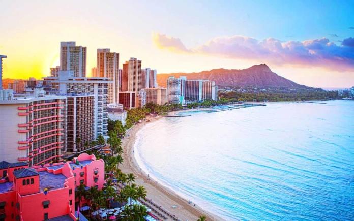 Waikiki Beach Vacation, crowdink.com, crowd ink, crowdink