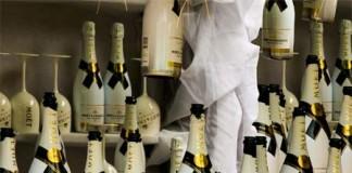 Pop Champagne Like A Boss, crowdink.com, crowdink.com.au, crowdink, crowd ink