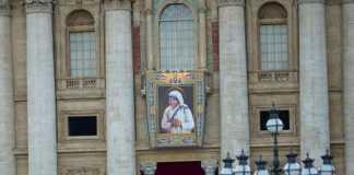 Mother Teresa (Image Source: abc.net.au), crowdink.com, crowdink.com.au, crowd ink , crowdink