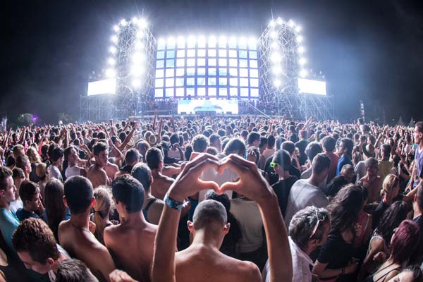 Electrobeach Music Festival 2013' Source: Wikimedia Commons