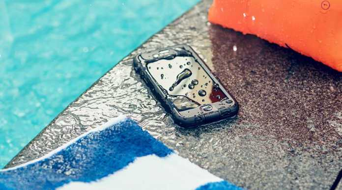 Phone Water Damage crowdink.com, crowdink.com.au, crowd ink, crowdink